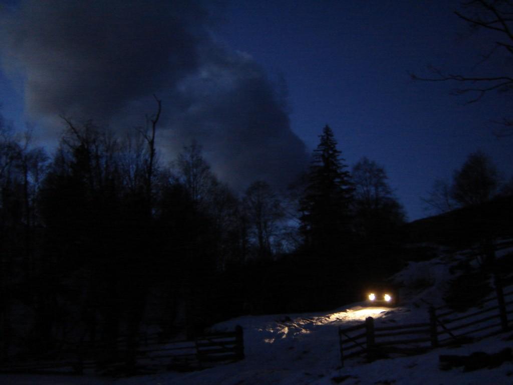 Ночная дорога на Дземброню